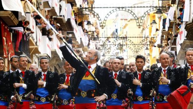 Entrada de Moros y Cristianos de Alcoy, en imagen de archivo