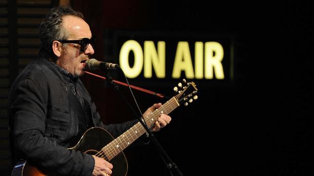 Elvis Costello, durante una actuación en Madrid