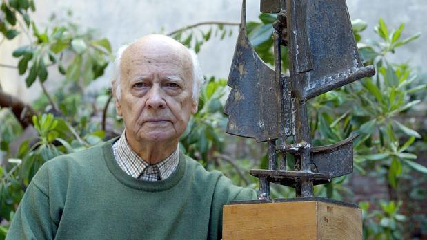 El escultor salmantino Venancio Blanco