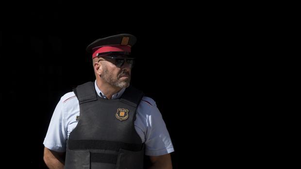 Un agente de los Mossos d'Esquadra