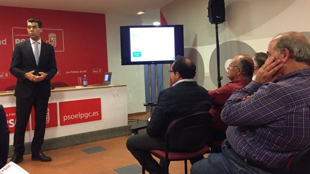 Santiago Rull, consejero delegado de Disa Renovables, en un acto del PSOE en la capital grancanaria
