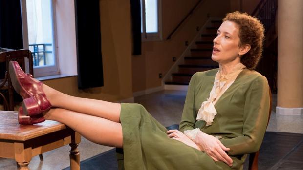 Clara Sanchis durante la representación «Una habitación propia» con la que está realizando una gira