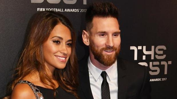 Antonella, con Messi recientemente en un acto