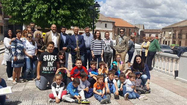 Los alumnos del colegio público realizaron la plantación