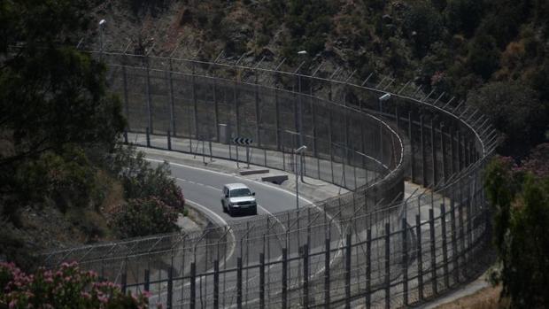 Un tramo de la valla fronteriza cercano a Ceuta