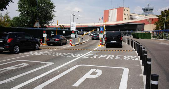 El Truco Del Aeropuerto De Barajas Para Que Los Conductores Paguen Por Recoger A Sus Familiares