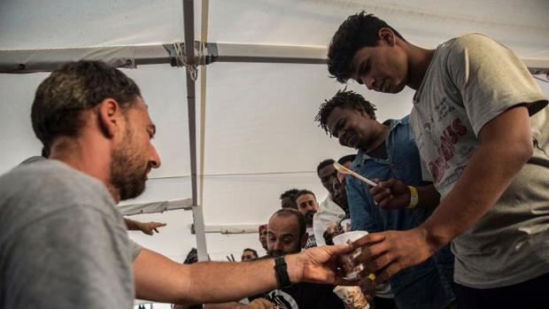 Migrantes, ayer en el Open Arms