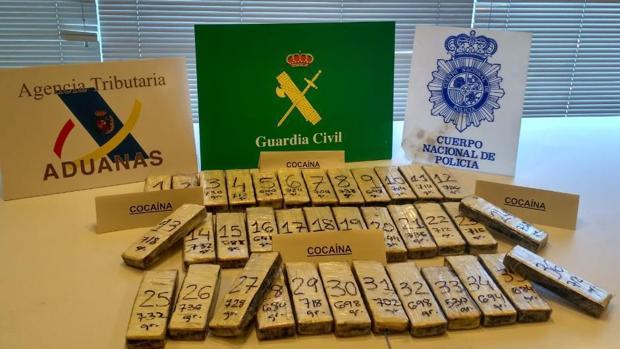La cocaína se había distribuido en 36 pastillas ocultas en los marcos de la puerta del contenedor