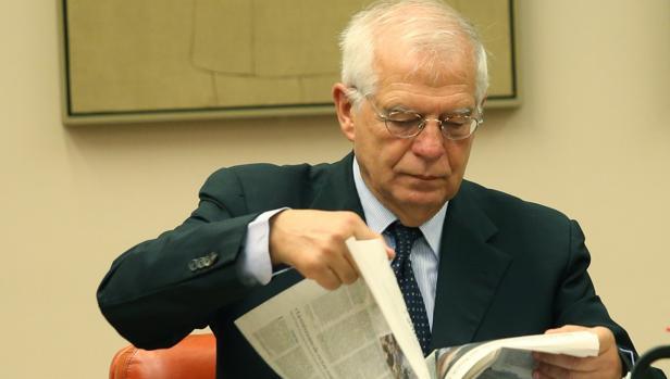 El ministro de extreriores Josep Borrell en la Comisión de Exteriores en el Congreso