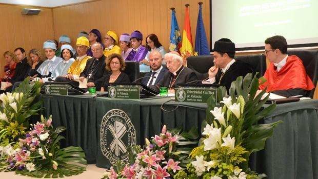 El cardenal Cañizares en su intervención en la Universidad Católica de Valencia