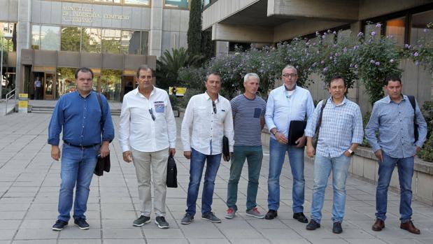 Los representantes sindicales, a su llegada al Ministerio de Transición Ecológica