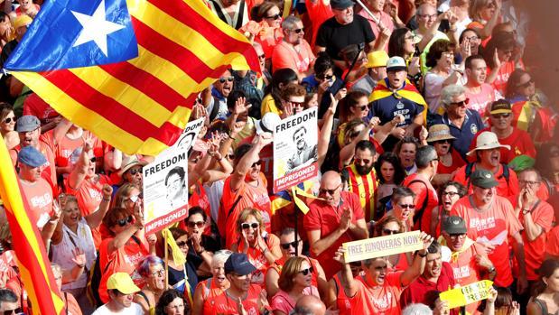 Personas se manifiestan en Barcelona con motivo de la Diada el pasado 11 de septiembre