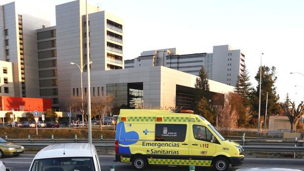 Hospital de León, a donde ha sido trasladada la víctima