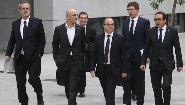 Los líderes independentisas entrando a declarar ante la Audiencia Nacional, en noviembre
