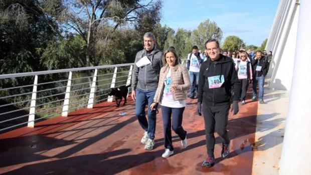 Álvaro Gutiérrez, Milagros Tolón y José Bono han participado en la carrera