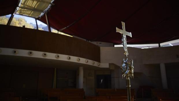 Interior de la parroquia de san Juan de Mirasierra