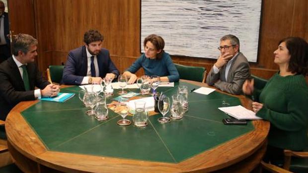 La ministra Ribera ha recibido este miércoles al presidente murciano Fernando López Mias