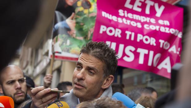 Centenares de personas protestan ante el Juzgado de Menores de Zamora para reclamar un endurecimiento de las penas de los menores para delitos más graves