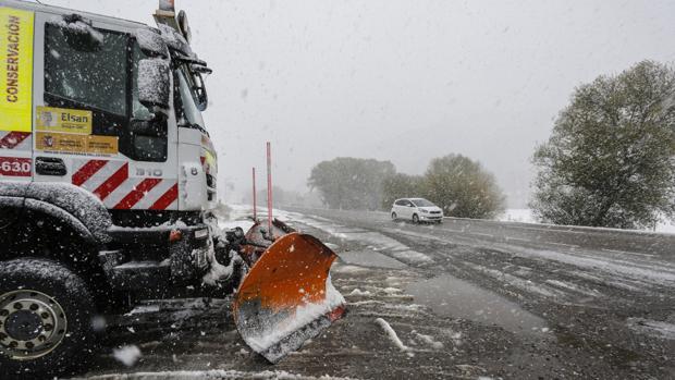 Nieve en la localidad leonesa de Villamanín, en una imagen de archivo