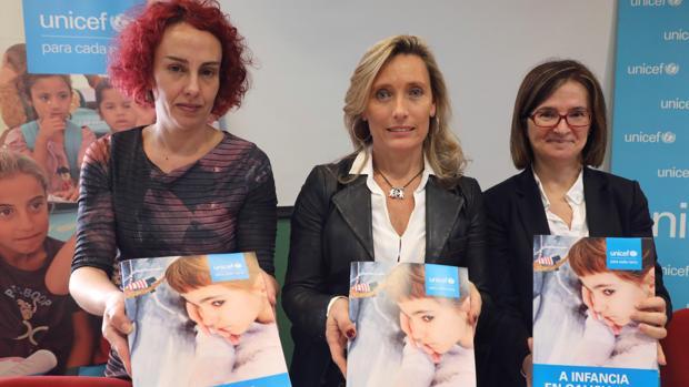 Irene Marín, Myriam Garabito y Mar Lorenzo, ayer, durante la presentación del informe