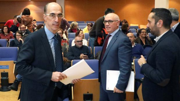 El conselleiro de Sanidade y el gerente del Sergas en la reunión de trabajo del martes