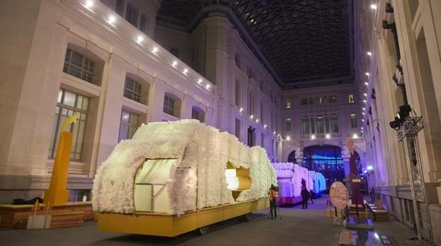 Las carrozas de los Reyes Magos realizadas con los mensajes de 30.000 niños