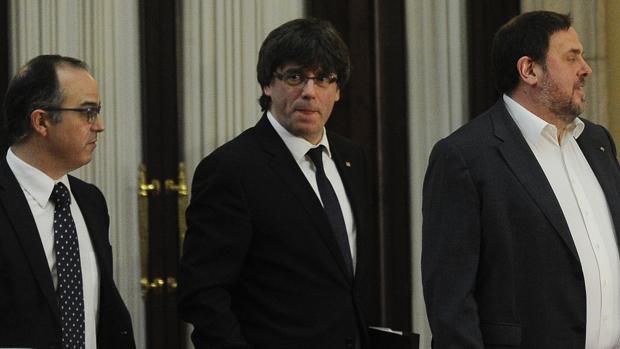 Turull, Junqueras y Puigdemont en el Parlament