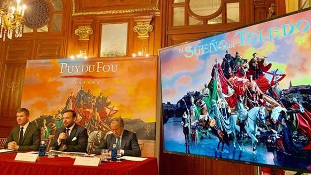 Nicolas de Villiers, Erwan de la Villeon y Jesús Saiz en la presentación, este jueves, del parque temático