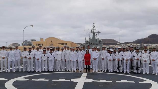 Margarita Robles en la Base Naval de la ciudad de Las Palmas