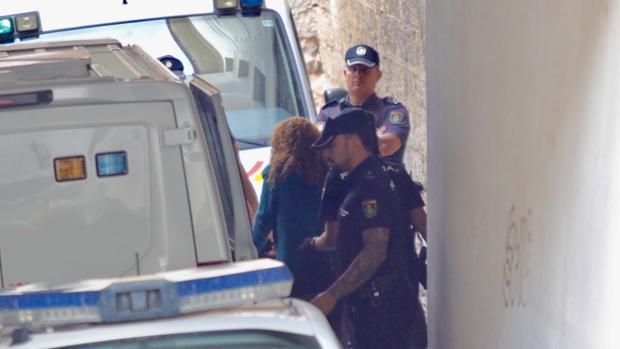 La «viuda negra» de Alicante, a su llegada a los juzgados el pasado mes de octubre
