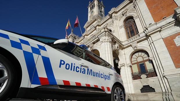 Uno de los coches de la Policía Municipal de Valladolid