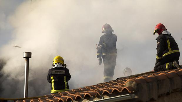 Una mujer fallece en el incendio de una vivienda en Boadilla (Salamanca)