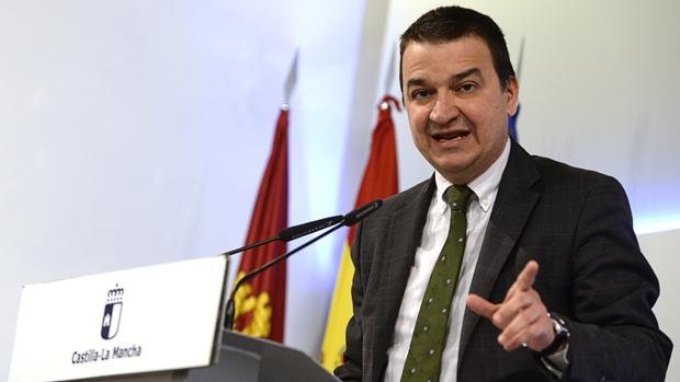 El consejero de Agricultura, Medio Ambiente y Desarrollo Rural, Francisco Martínez Arroyo