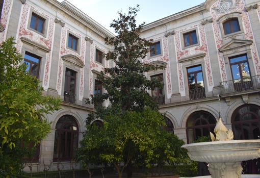 Palacio De Justicia De Antiguo Convento Y Colegio De Senoritas A