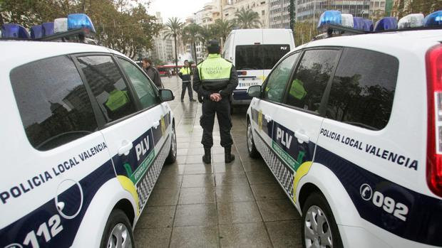 Imagen de archivo de varias patrullas de la Policía Local de Valencia
