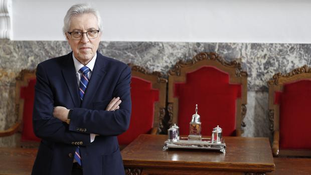 Miguel Ángel Cadenas posa para ABC en una de las salas del Tribunal Superior