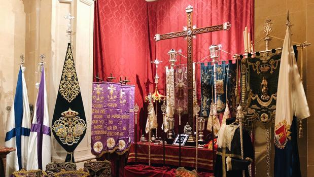 Preparativos para la procesión del Cristo del Mar