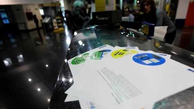 Una oficina de Correos de Madrid donde se han repartido las etiquetas ambientales de la DGT