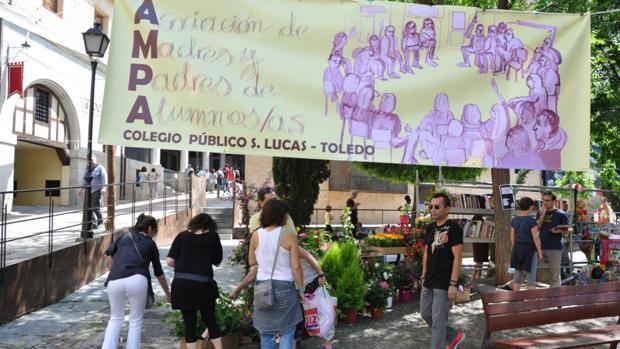 Edición anterior del mercadillo solidario del colegio San Lucas y María