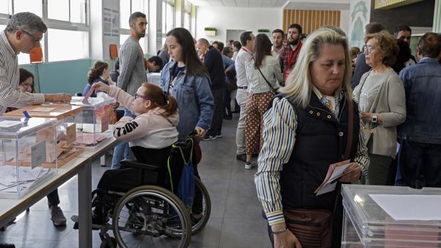 Imagen de un colegio electoral tomada el pasado 28 de abril en Valencia