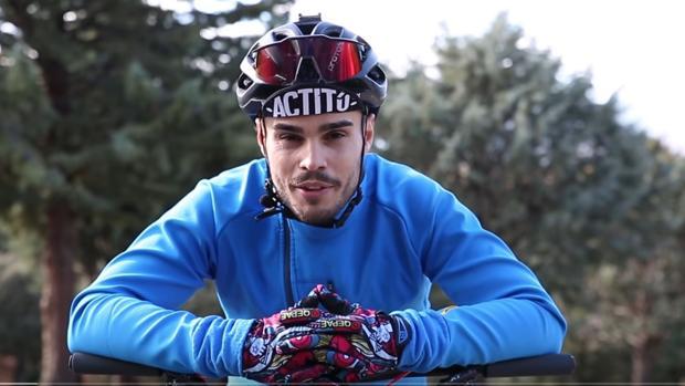 Captura del video en el que Daniel Pérez explica su reto