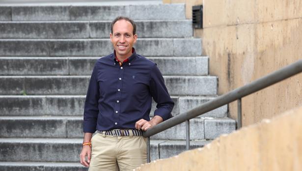Daniel Arias Vegas, en las escaleras del Paseo del Miradero de Toledo