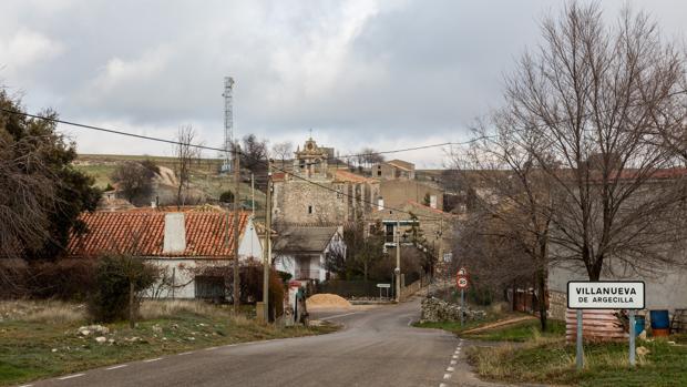 Entrada de Villanueva de Argecilla, uno de los pequeños pueblos de Guadalajara