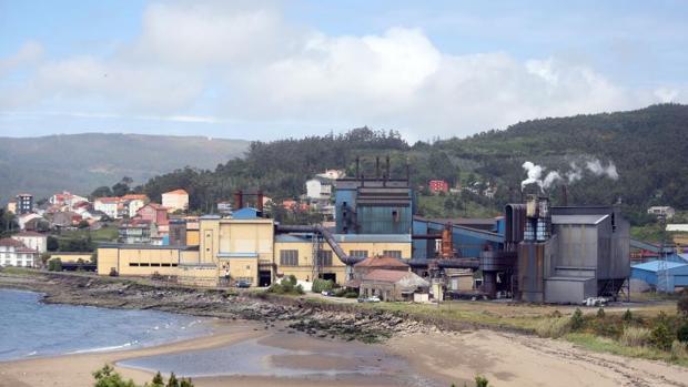 Planta de Ferroatlántica en Cee-Dumbria, una de las grandes electrointensivas gallegas