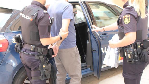 Momento de la detención del presunto de las violaciones