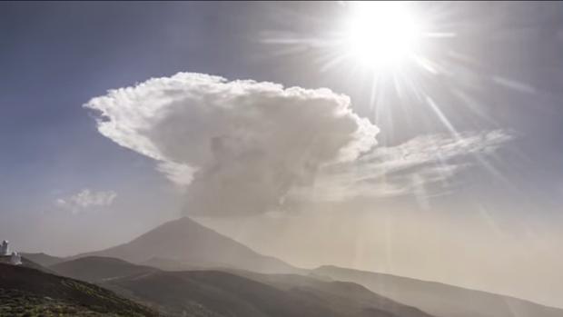 Fenómeno de nubes en el Teide, Tenerife, en junio de 2019