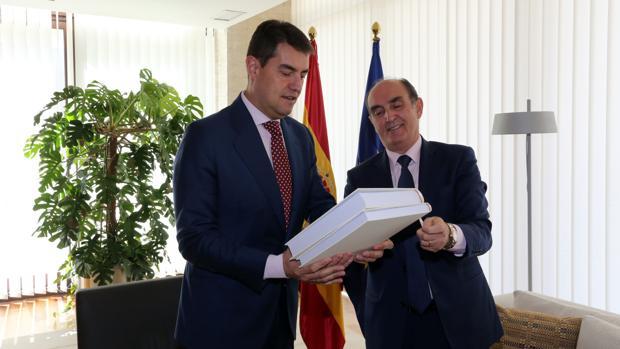 Ángel Ibáñez y Tomás Quintana, en las Cortes de Castilla y León