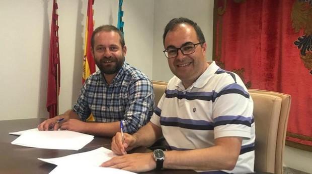 Fran Muñoz (Leganemos) y Santiago Llorente (PSOE)