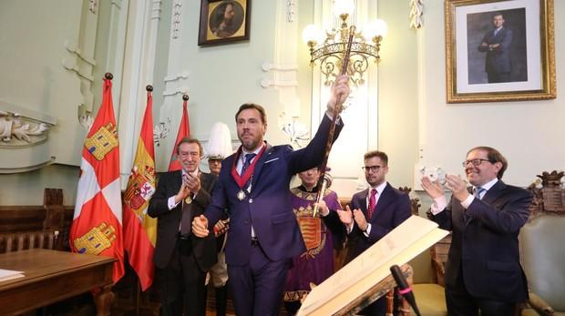Puente, recibió el bastón de mando de De Santiago-Juárez