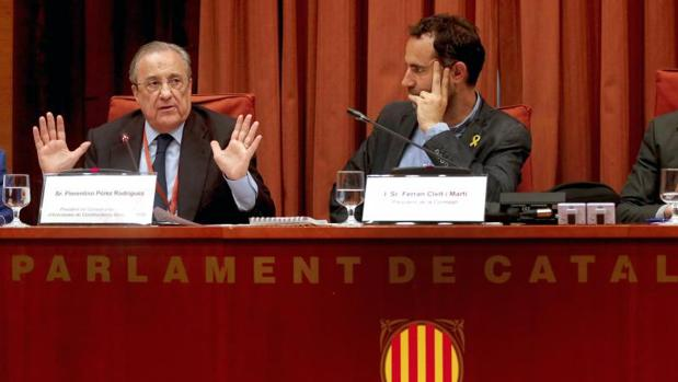 Pérez, este lunes en el Parlamento catalán
